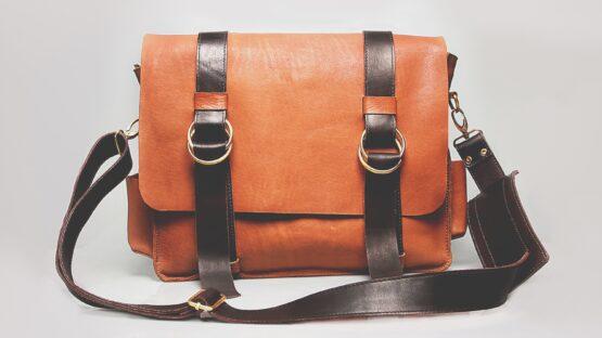Find et bredt udvalg af forskellige tasker hos DEPECHE