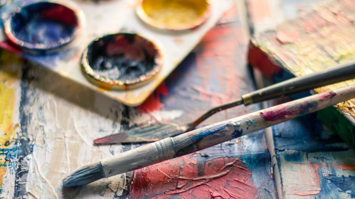 Billige malerier og skærme som rumdeler – Daily-Living.dk