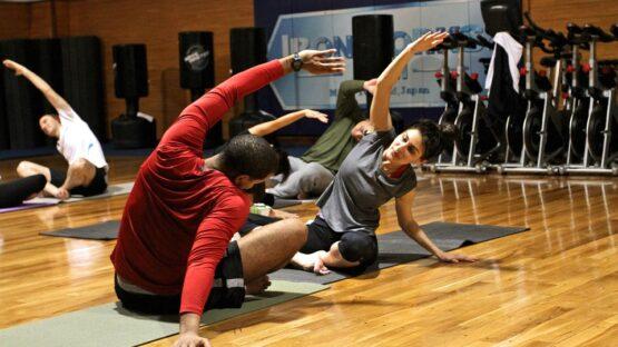Fitness udstyr – Træningsbænke, håndvægte, romaskiner etc.