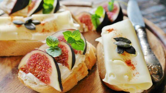 Hos Frokost+ kan du bestille alt fra catering i Århus til firmafrokost smørrebrød