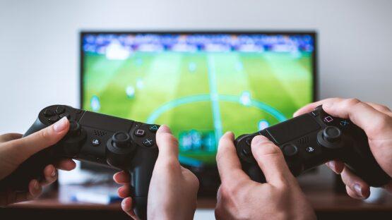 Gamer borde og stole – vigtige fundamenter til din base