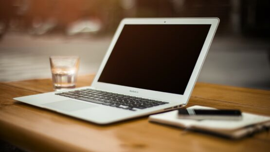 Føniks Computer forhandler Logitech produkter i topkvalitet og prisstærke bærbare computere