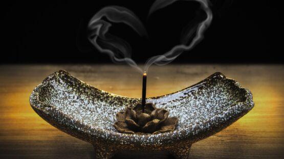 GodKarmaShop.dk – Vindspil og røgelsespinde i høj kvalitet