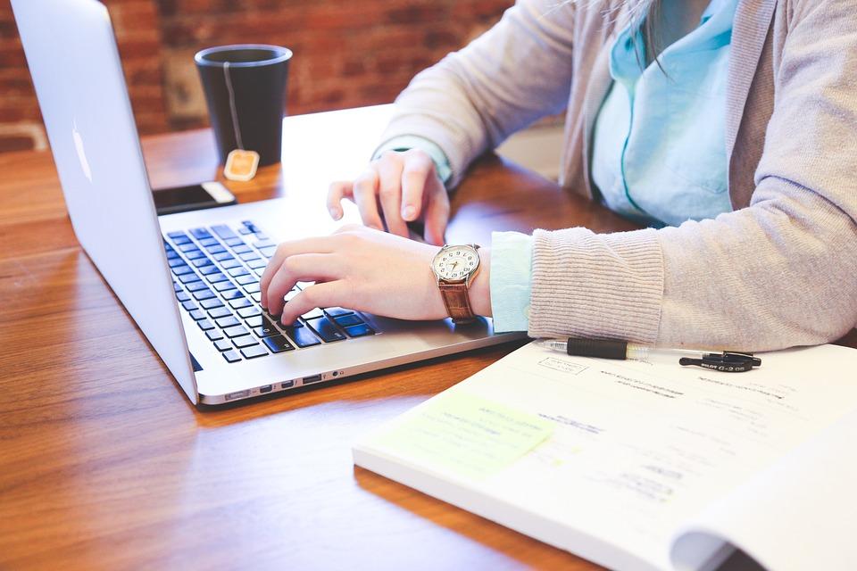 BOARD GOVERNANCE tilbyder online bestyrelseskurser samt moderne bestyrelsesuddannelser