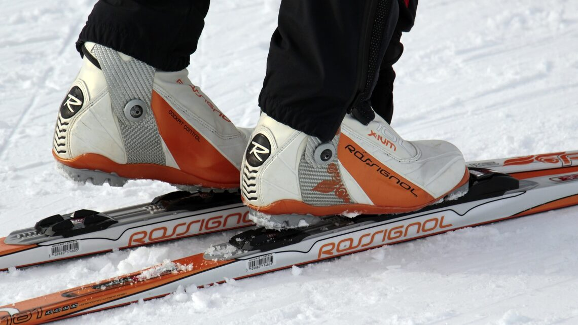 Bliv klar til vinter med twintip ski eller langrendsski fra Skitema.com